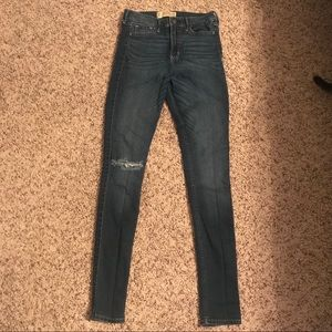 Hollister High-Rise Jeans 👖